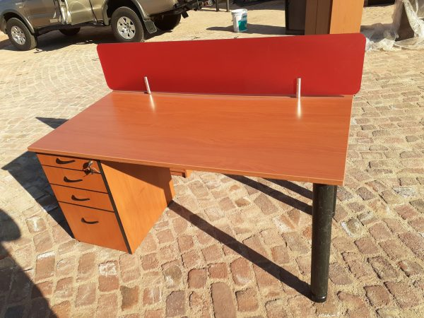 1600mm x 750mm Desk with drawers
